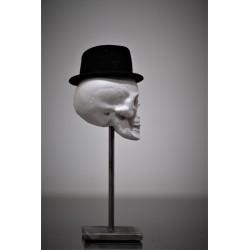 TBO - Tête de mort béton avec chapeau